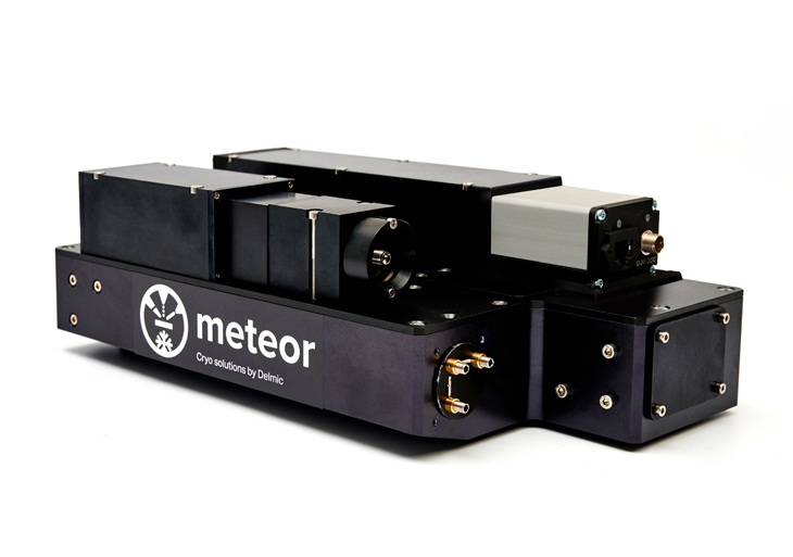 METEOR integrated cryo-CLEM system by Delmic