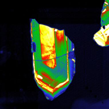 Close-up panchromatic PMT intensity image of a zircon grain.