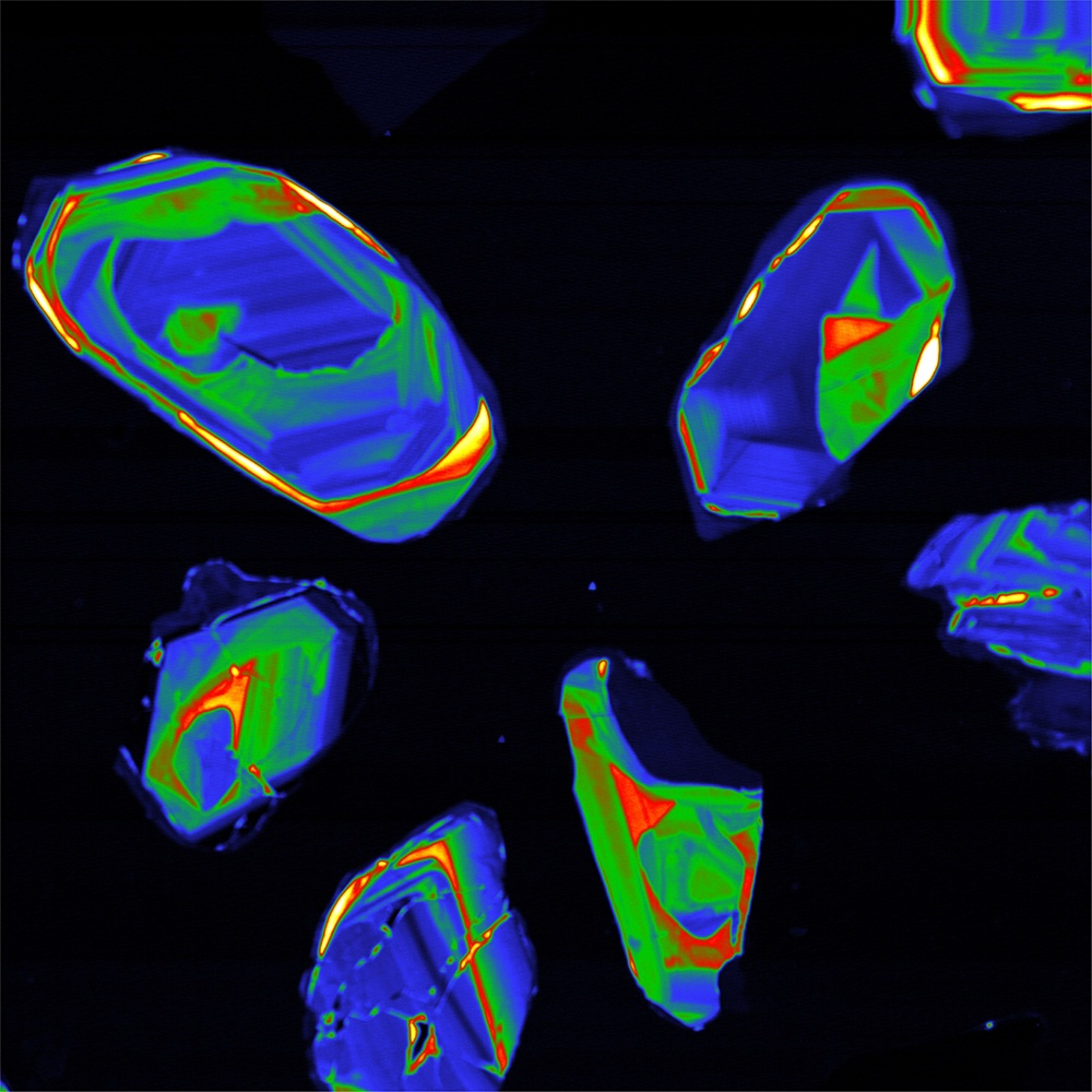 PMT intensity image of zircon grains. Samples courtesy of Prof. Jens Jahren, University of Oslo